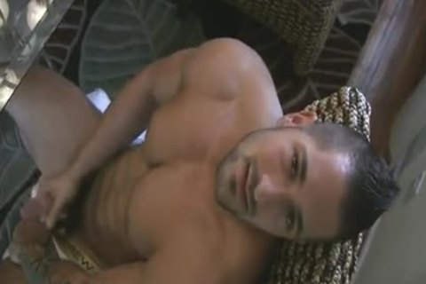 [GVC 108] slutty Muscle Hunk Beating Off