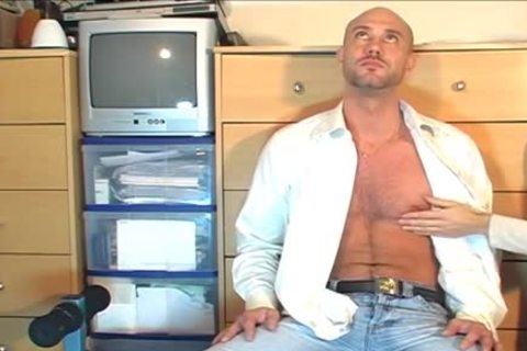 Full video: A blameless straight Neighbour acquires Serviced His gigantic jock By A guy!