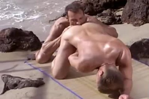 Seaside Muscled fuck
