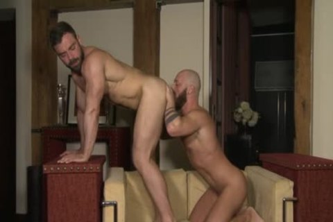 Muscle Bear Flip Flop And ejaculation