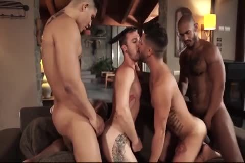 homo Rides His Bosses 10-Pounder For Some cash